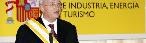 VW: El Dr. Martin Winterkorn, presidente de VW AG, recibió  La Gran Cruz de la Orden de Isabel La Católica