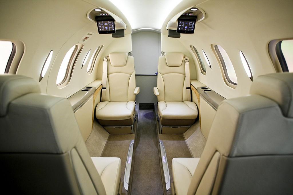 110110_HondaJet_Production_Cabin