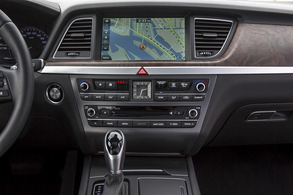 Hyundai Genesis Detalle (15)