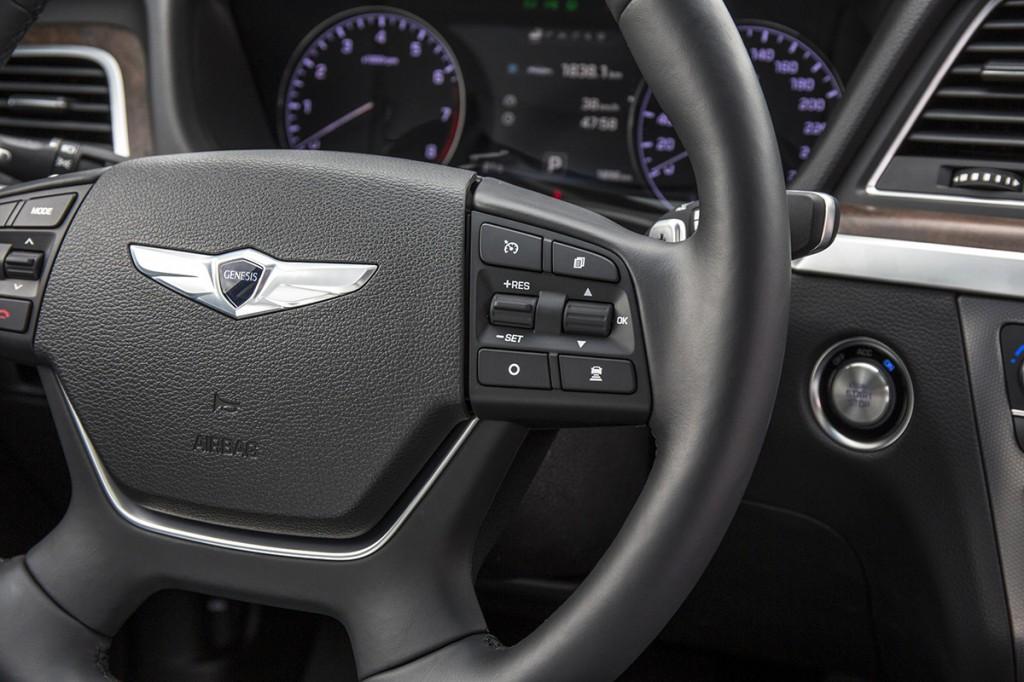 Hyundai Genesis Detalle (18)