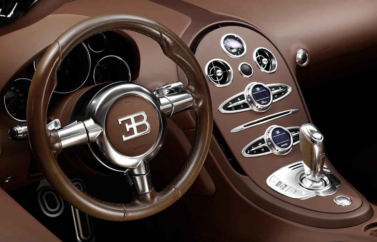 012_Legend_Ettore_Bugatti_Steering_Wheel_Centre_Console
