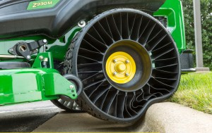 MICHELIN_X_TWEEL_TURF_Print1