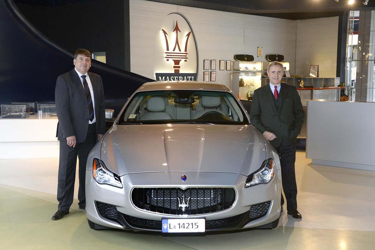 3_Quattroporte al centro_da sinistra Wulf Hoeflich-Vice President Technology Licensing di Airbus Group _ Harald Wester - CEO Maserati e Chief Technol (2)
