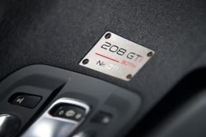 Peugeot-208-GTI-30-92a