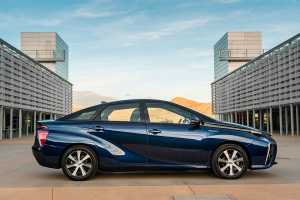 350739_2016_Toyota_Fuel_Cell_Vehicle_028
