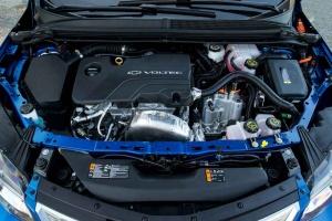 2016-Chevrolet-Volt-040-MD