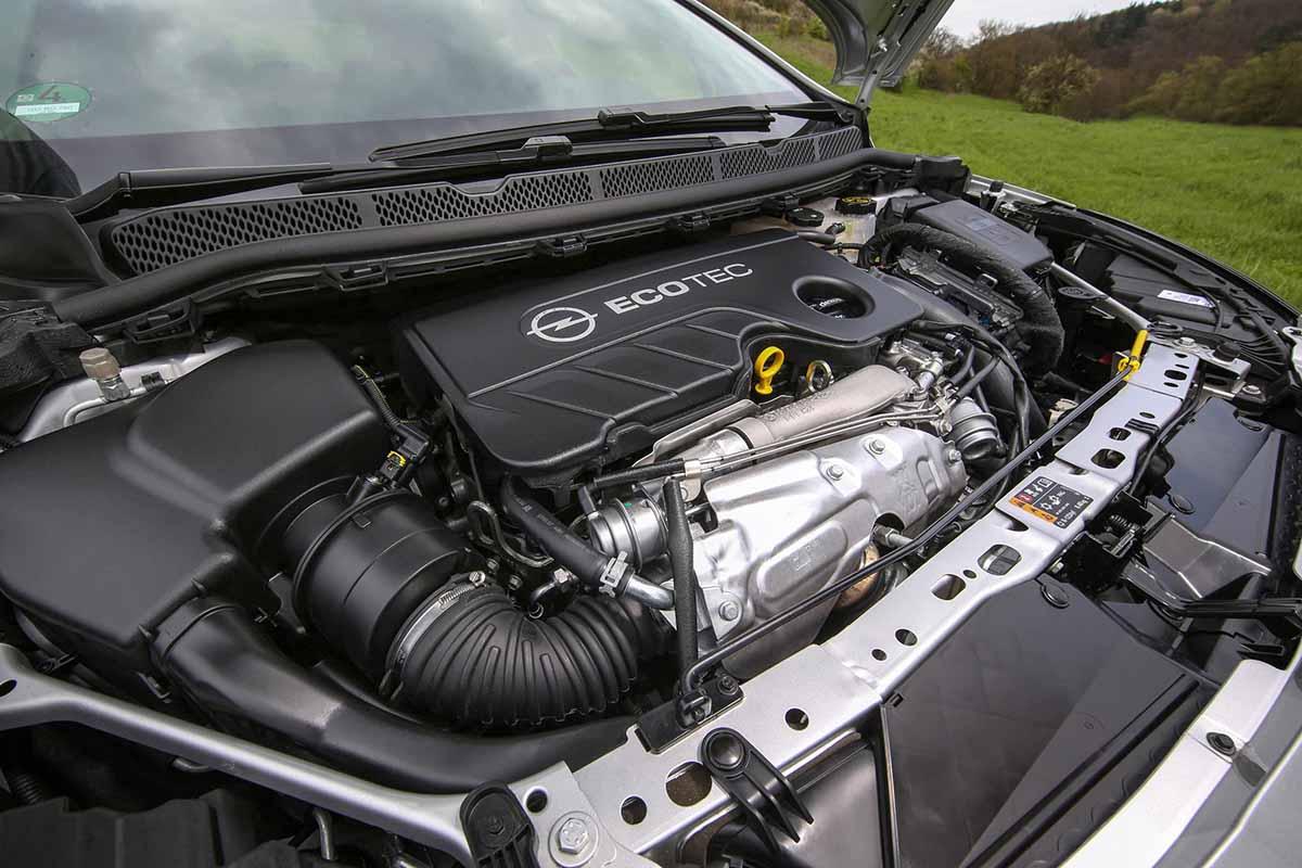 Opel-Astra-BiTurbo-5-door-301329