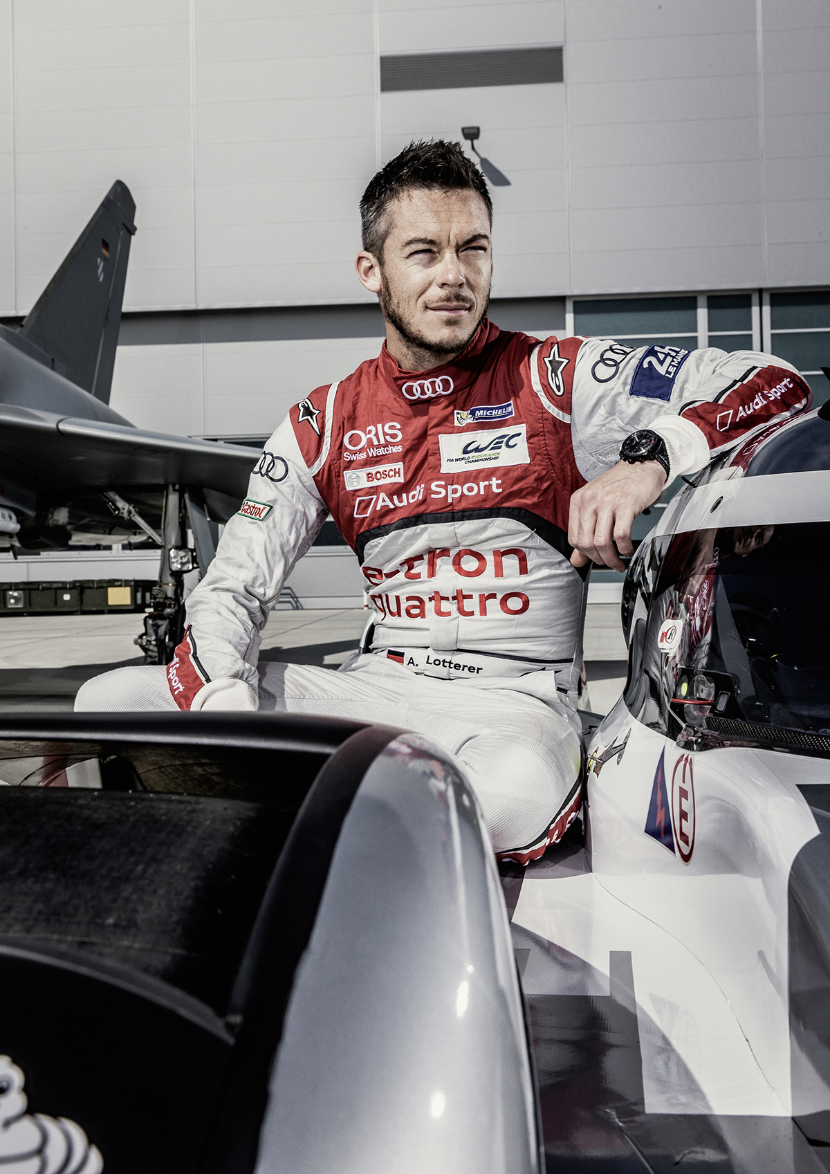 PASSION - FLIGHT CLUB André Lotterer Le Mans racing driver André Lotterer was born November 19, 1981 in Duisburg and grew up in Belgium. He has lived in Tokyo since 2003, where he is extremely successful as a racing driver. 2003 through 2015, he drove in the Super Formula (formerly Formula Nippon), winning the championship in 2011. 2003 through 2011, he was also active in the Super GT, securing the championship title in 2006 and 2009. Since 2012, he and his teammates have scored ten victories and one world championship for Audi. In the same period, he drove ten fastest race laps, including the legendary 3:17.475 minutes in Le Mans last year. It marks the fastest lap ever driven on La Sarthe, with an average speed of 248 km/h. Almost nothing seems to ruffle this likeable driver. His facial expression when he climbs into the cockpit is a youthful smile and restrained pleasure.