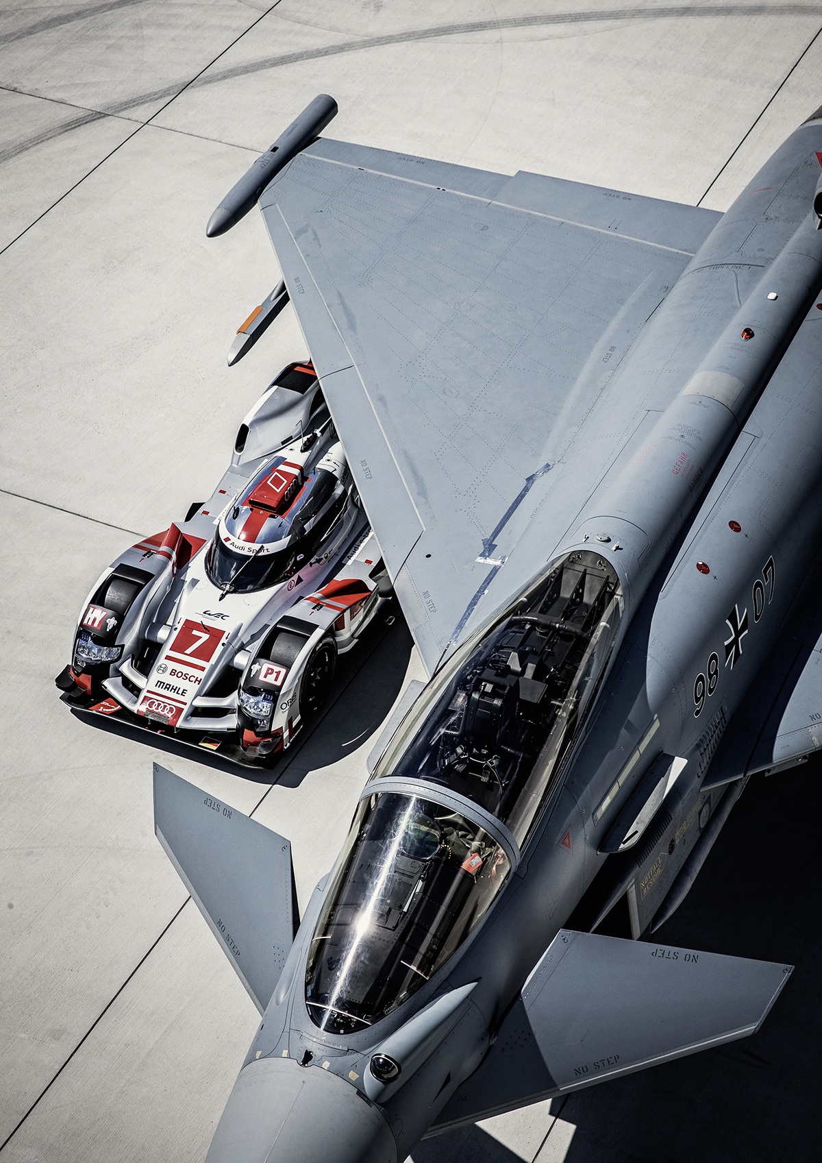 PASSION - FLIGHT CLUB Audi R18 e-tron quattro vs. Eurofighter Typhoon