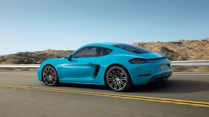 high_718_cayman_s_2016_porsche_ag-1