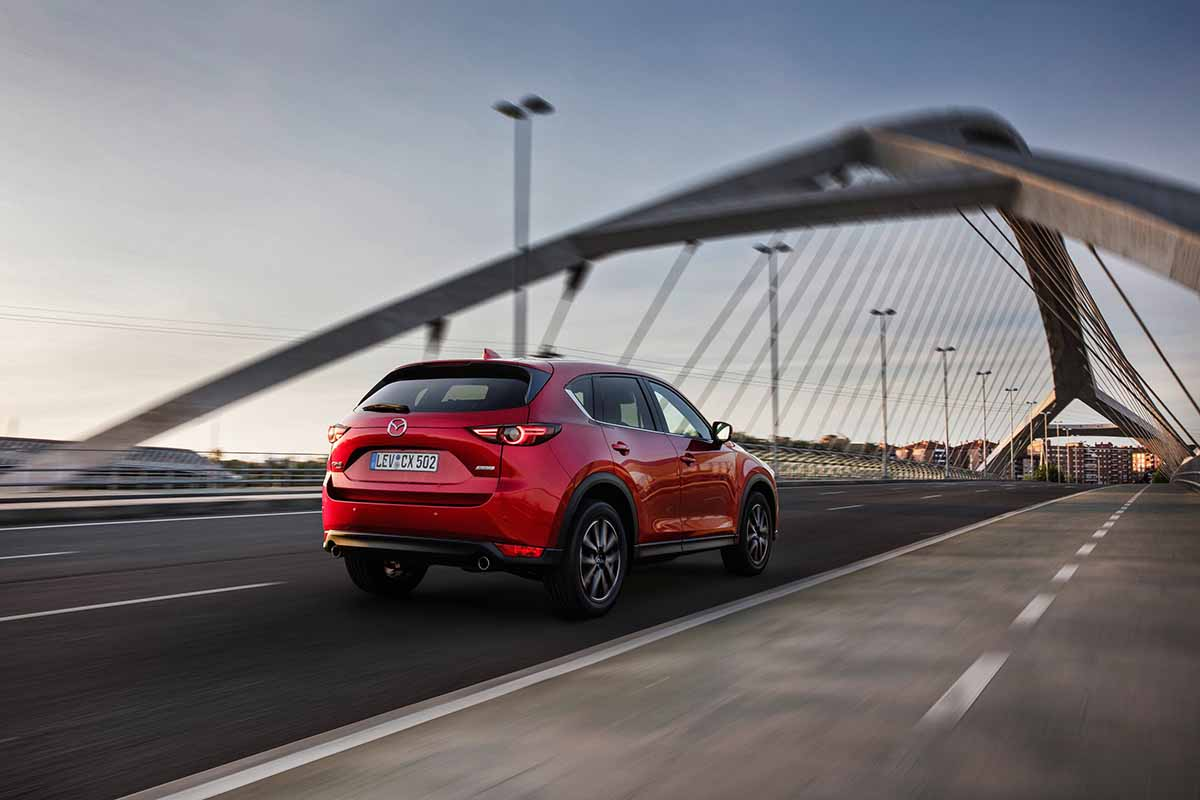 All-new-CX-5_BCN-2017_Action_03