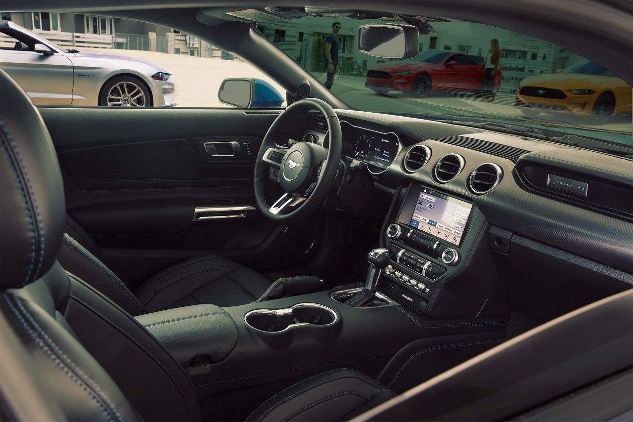 73. Mustang interior seguridad