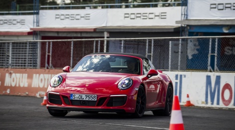 PORSCHE WORLD ROADSHOW: ADRENALINA PURA