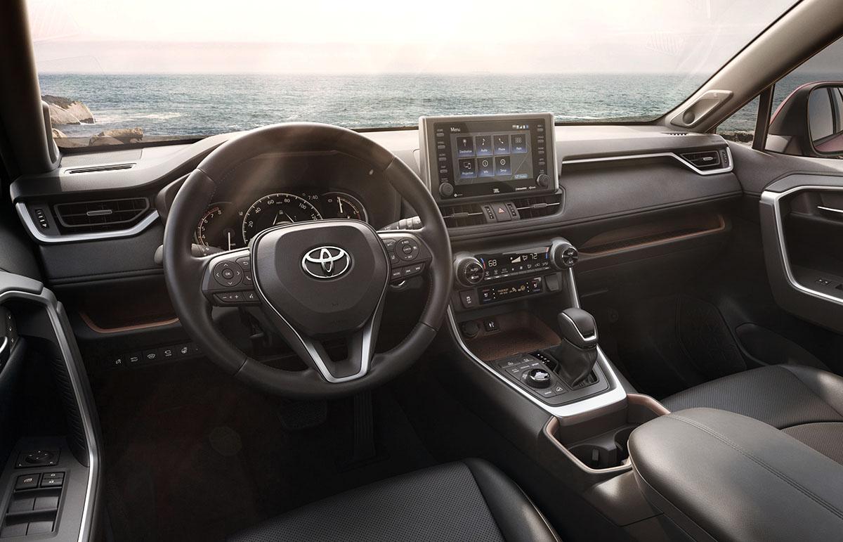 2019_Toyota_RAV4_005