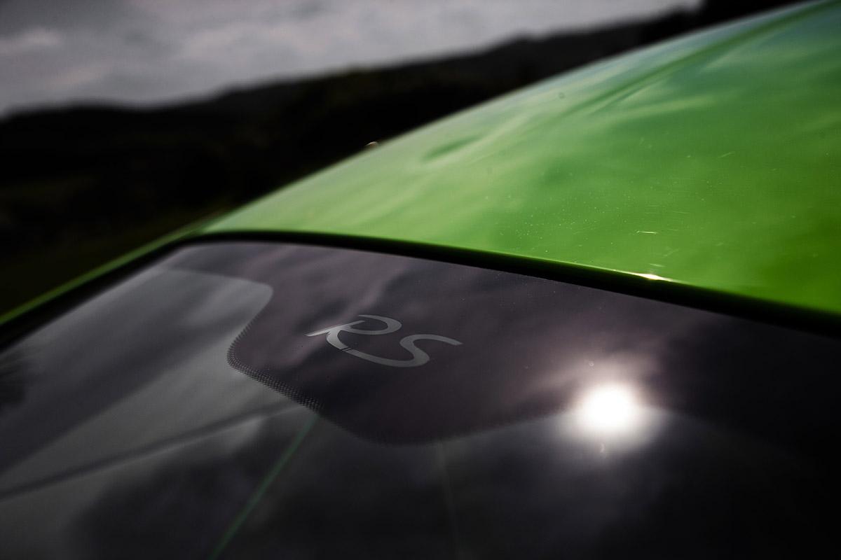 Porsche 01 glass