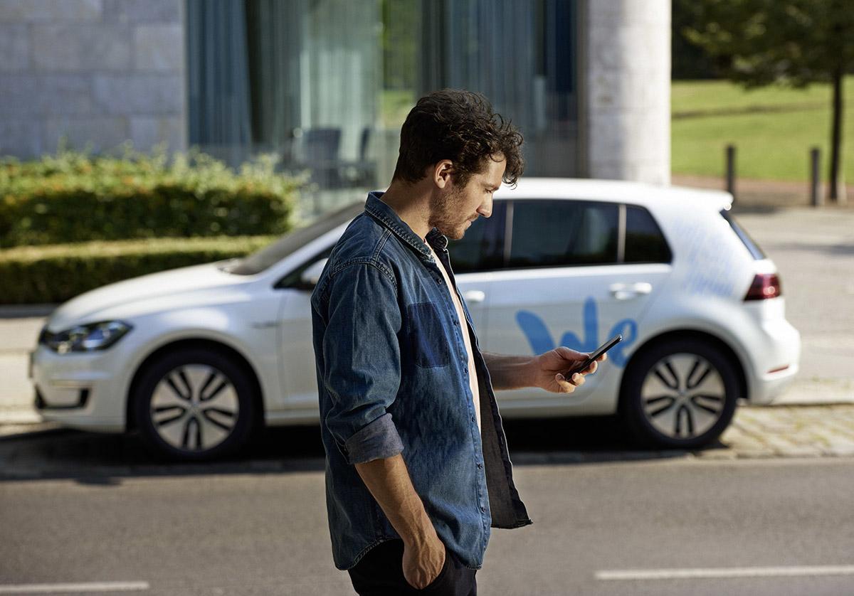 Volkswagen starts ìWe Shareî e-mobility car sharing in Berli