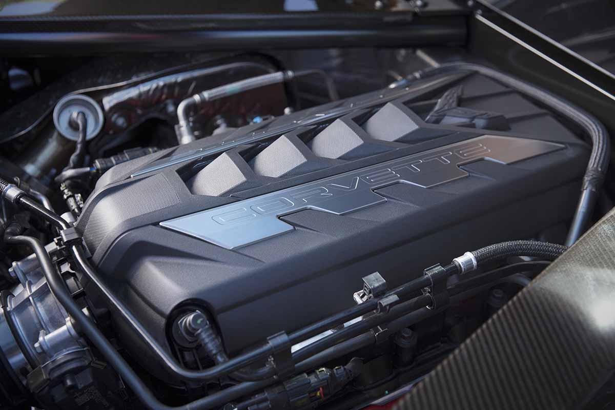 27022020-Chevrolet-Corvette-Stingray-01