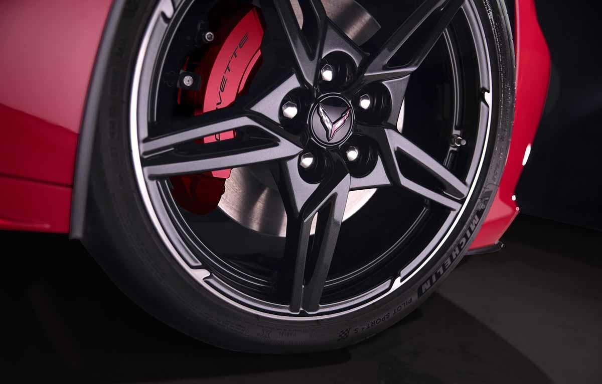 27022020-Chevrolet-Corvette-Stingray-02
