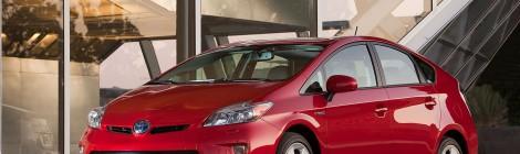 Toyota: bajan los precios del Prius.