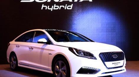 Hyundai Sonata Hibrido en Seúl y Detroit