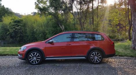 Volkswagen CrossGolf, familiar con un toque aventurero
