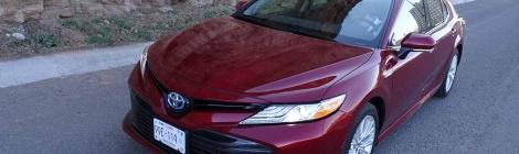 Toyota Camry Híbrido: El tamaño si importa