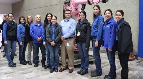Robots en favor de la educación. Así es la alianza entre Ford e instituciones educativas de México